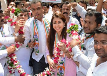 According to witnesses, the incident occurred when Matondkar was addressing a large crowd of people outside Borivali West station when some alleged BJP activists attempted to barge into the venue. (Image: Representational/PTI)
