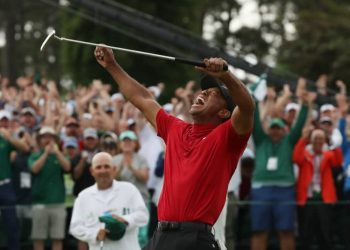 Woods persevered on a tense back nine at Augusta National, winning by one stroke after birdies at 13, 15 and 16. (Image: Reuters)