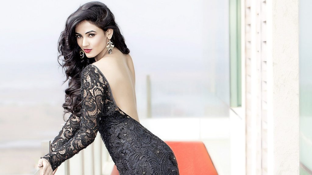 Gorgeous HD pictures of 'Jannat' actress Sonal Chauhan - OrissaPOST