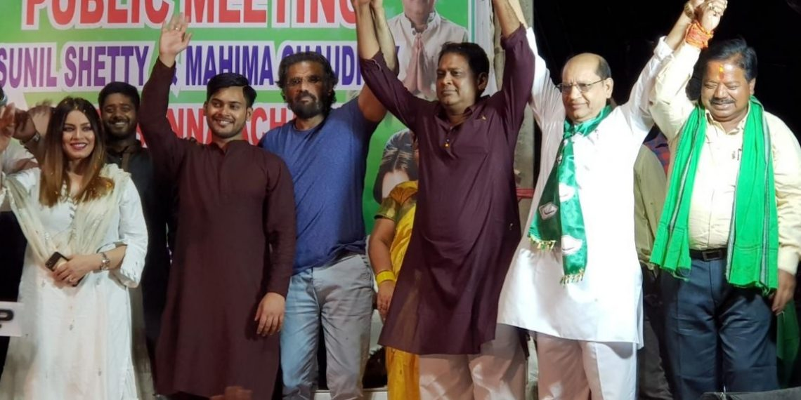 Suniel Shetty and Mahima Chaudhury campaigning for BJD candidate in Jharsuguda