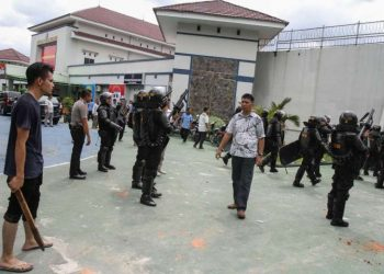 Jailbreaks are common in Indonesia, where inmates are often held in unsanitary conditions at overcrowded prisons. (Representational image)