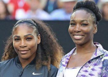 Serena Williams (L) and Venus Williams