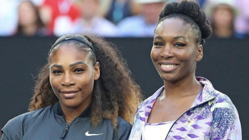 Serena Williams (L) and Venus Williams
