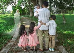 Photographer fulfills last wish of mother after her death; see pics