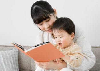 Research says reading with kids can make you a better parent