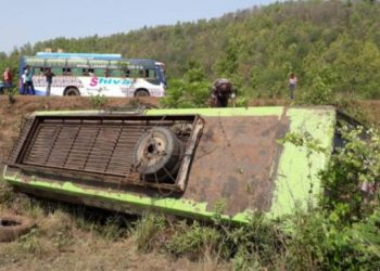 Narrow escape for passengers as truck rams into bus