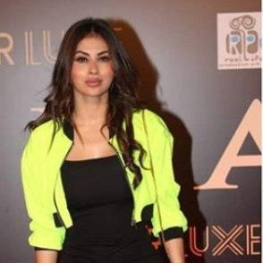 Fans mercilessly troll Mouni Roy for her 'plastic surgery