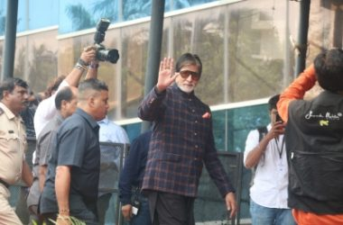Big B starts shooting for 'Gulabo Sitabo'