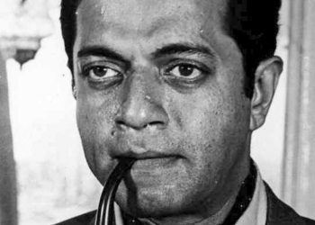 A brilliant student, who graduated in mathematics but chose arts as his playing field, Karnad wrote his first play 'Yayati' at the age of 23 in 1961.