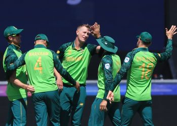 Bowler Chris Morris and his South African teammates celebrate after the dismissal of a Sri Lankan batsman, Friday