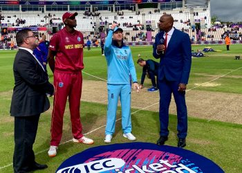 The two captains during toss.