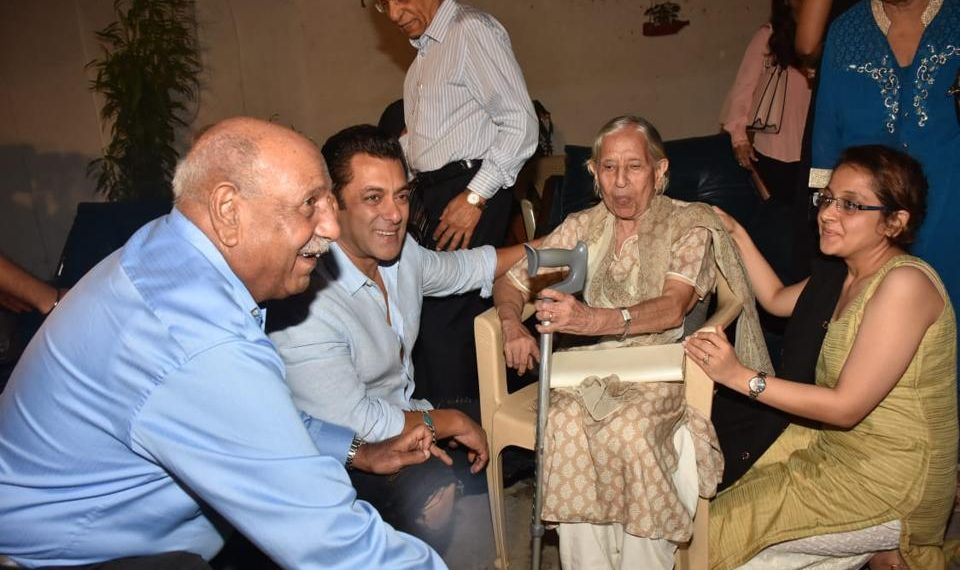 Salman hosted special screening of 'Bharat' for partition families