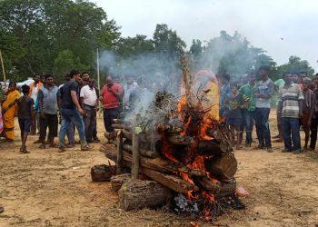 martyred Odia soldier Ajit Sahu cremated in Badasuanla