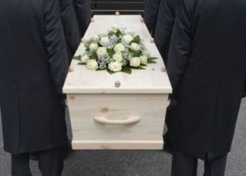 Dead man 'comes back' to life just before being buried