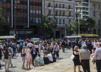 5.1-magnitude quake hits Athens, causing buildings collapse