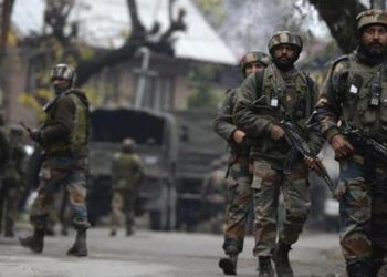 Acting on a tip-off about the presence of militants in Banday Mohalla in Bonbazar area of Shopian, security forces launched a cordon and search operation.