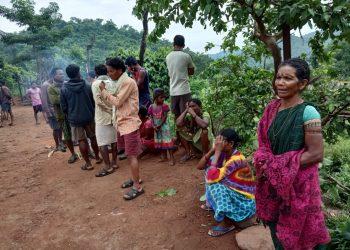 Maoists gun down 2 'police informers'