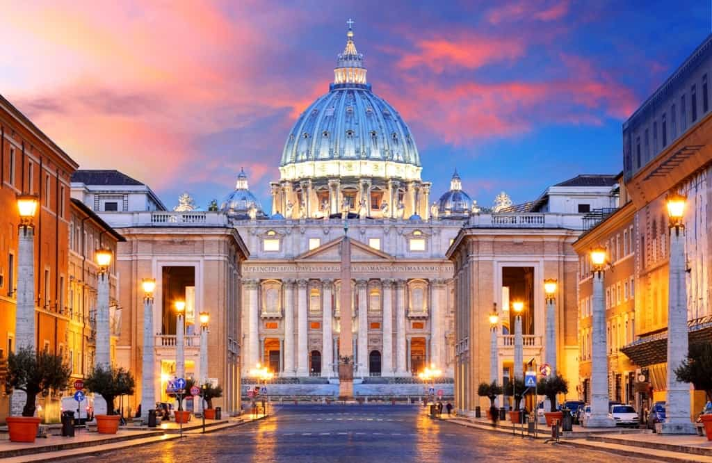 Vatican analyzes bones found in crypts