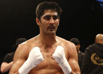 July 14, Vijender fought in the US for the first time, defeating Snider via technical knowckout.