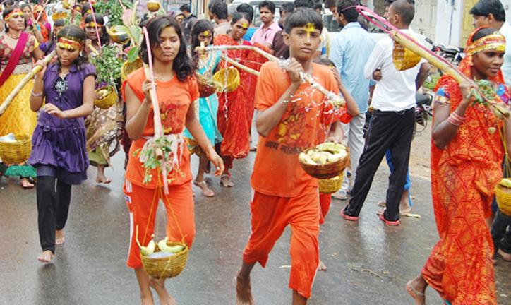 Women devotees Bol Bom Odisha