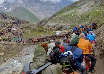 Amarnath Yatra suspended from Jammu to Srinagar