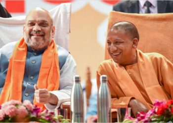 Amit Shah (L) and Yogi Adityanath. File pic