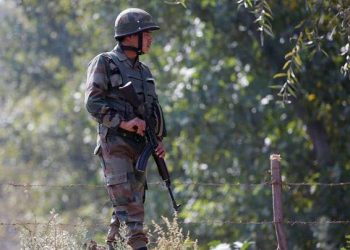 Sources said the Pakistan Army resorted to unprovoked firing at Indian posts in Machil sector today morning.