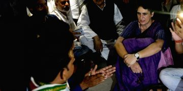 Priyanka Gandhi remains under detention in UP