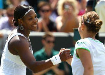 Serena Williams (L) and Simona Halep. File pic