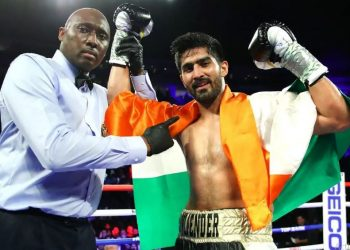 In what was to be an eight-round super middleweight contest Saturday night (early Sunday morning in India), the 33-year-old from Haryana prevailed in four rounds for his 11th consecutive victory in the circuit.