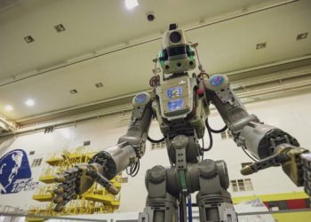 Russia launches humanoid robot into space