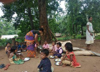 Anganwadi centre runs under tree