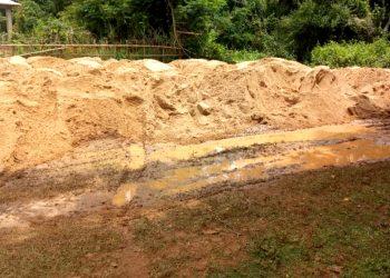Illegal sand mining from Genguti river in Bhadrak