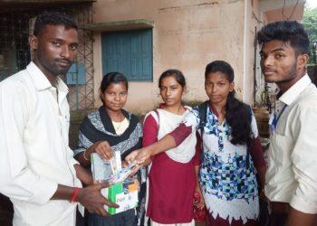 Balasore girls send rakhis to jawans