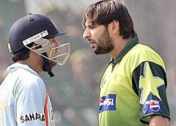 Gautam Gambhir (L) and Shahid Afridi. File pic