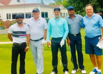 MS Dhoni celebrates National Sports Day by playing golf in the US