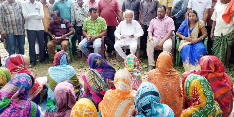 Locals apprise Sarangi about risky boat ride