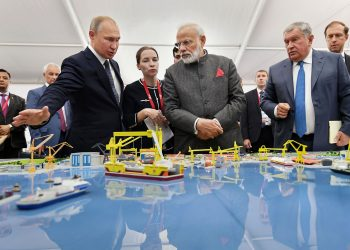 During his visit to the shipyard, Prime Minister Modi was accompanied by President Putin.