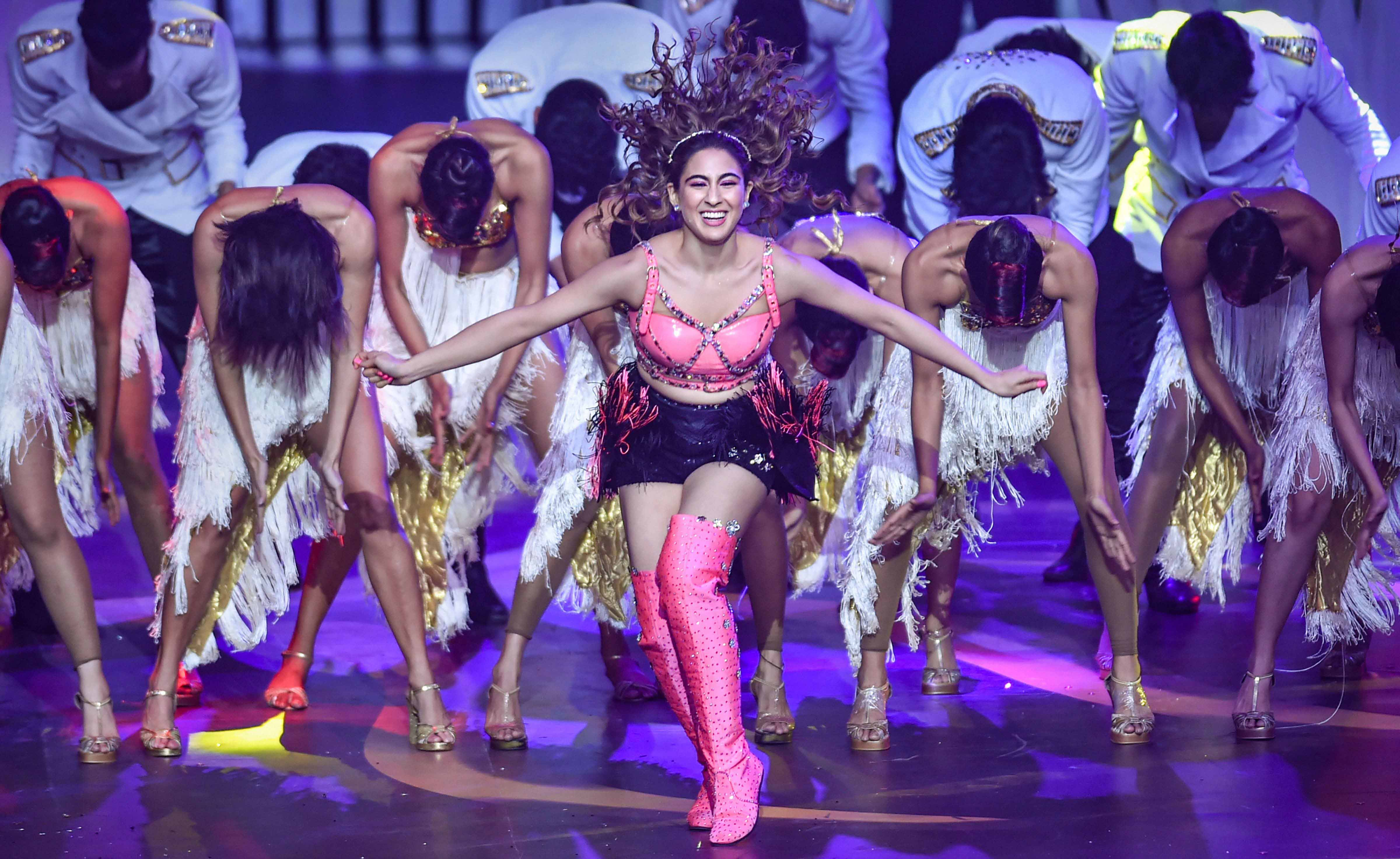 In Deepika Padukone Vs IIFA Memes, The Actress Had The Last Laugh