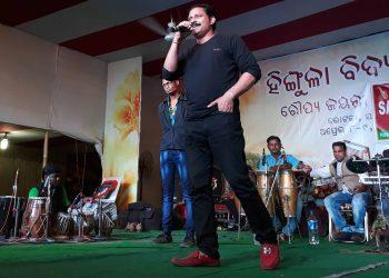 actor and professor Gyanendra Kumar Pallai