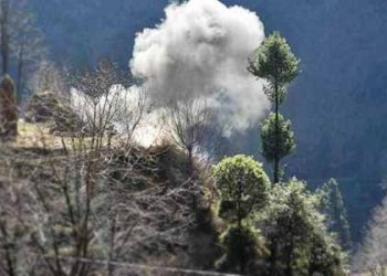 The firing and mortar shelling from across the border started in Balakote and Mankote areas around 10 am.