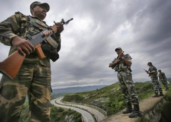 The latest round of firing and shelling from Pakistan ended nearly a week-long lull in the shelling along the LoC. (Representational image)