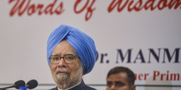 Mumbai: Congress senior leader and former Prime Minister Manmohan Singh addresses a press conference, in Mumbai, Thursday