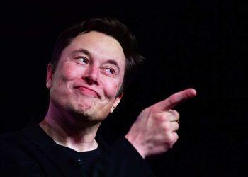 Elon Musk back on Twitter after 4 days