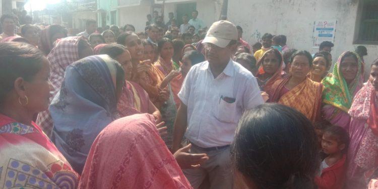 Villagers detain sub-collector alleging irregularities in PMAY