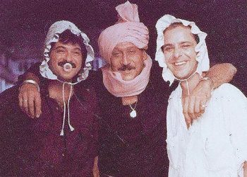 An undated still from the sets of 'Parinda' with actors (From left) Anil Kapoor, Jackie Shroff and director Vidhu Vinod Chopra.