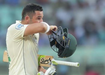 Dean Elgar fell first ball after the delayed start
