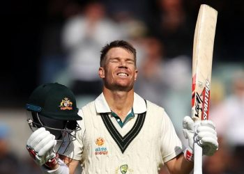 Saturday, Warner hit an unbeaten triple century (335) during the second Test against Pakistan and looked set to pass Lara's 400 mark before skipper Tim Paine declared the innings.