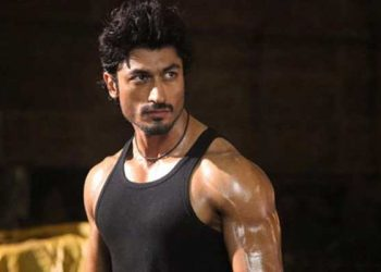Vidyut Jammwal shooting for 'Khuda Hafiz' in Lucknow