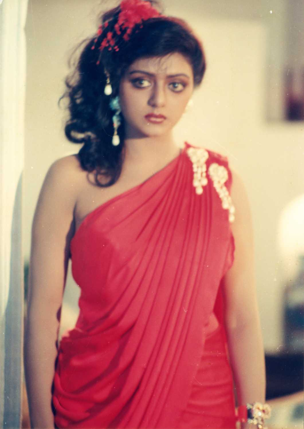 This famous south Indian actress left school for acting, later married an NRI
